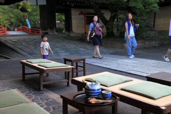 あぶり餅で一休み 今宮神社_e0048413_18452057.jpg