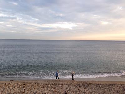七里ヶ浜を歩きながら_c0113755_03031324.jpg