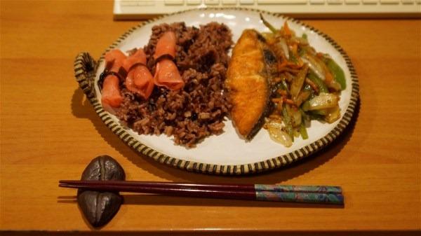 夕飯は焼き魚_e0166355_1949438.jpg