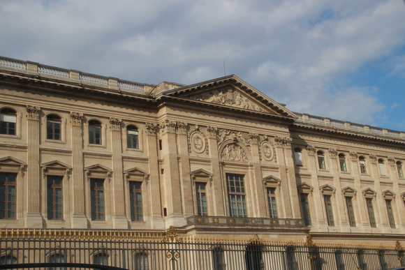 SKY140904 それぞれに建築家の個性を観ることができる楽しさがパリにはある_d0288367_22324272.jpg