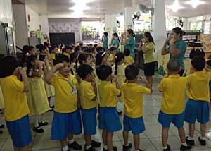 Kindergarten In Philippines...part.1_e0325335_14323570.jpg