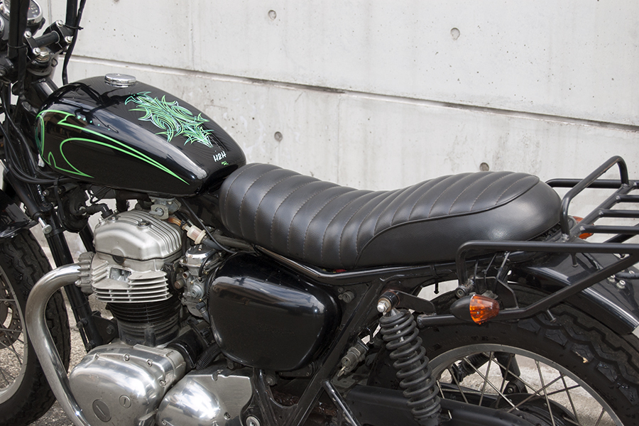 FOR SALE!!! KAWASAKI W650_e0182444_13494750.jpg