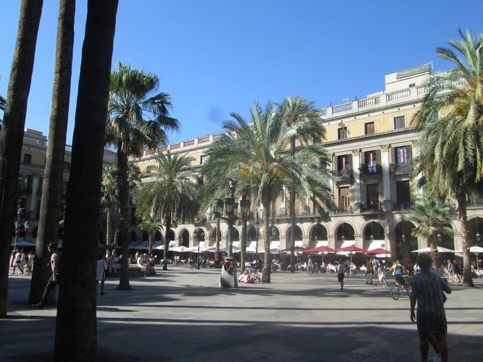 バルセロナ 旧市街(7月10日)_c0100195_15374165.jpg