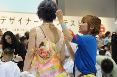 【CONTEST】日本一ハイレベルな美容コンテスト「三都杯」にブレススタッフが挑戦しました!_c0080367_22014111.jpg