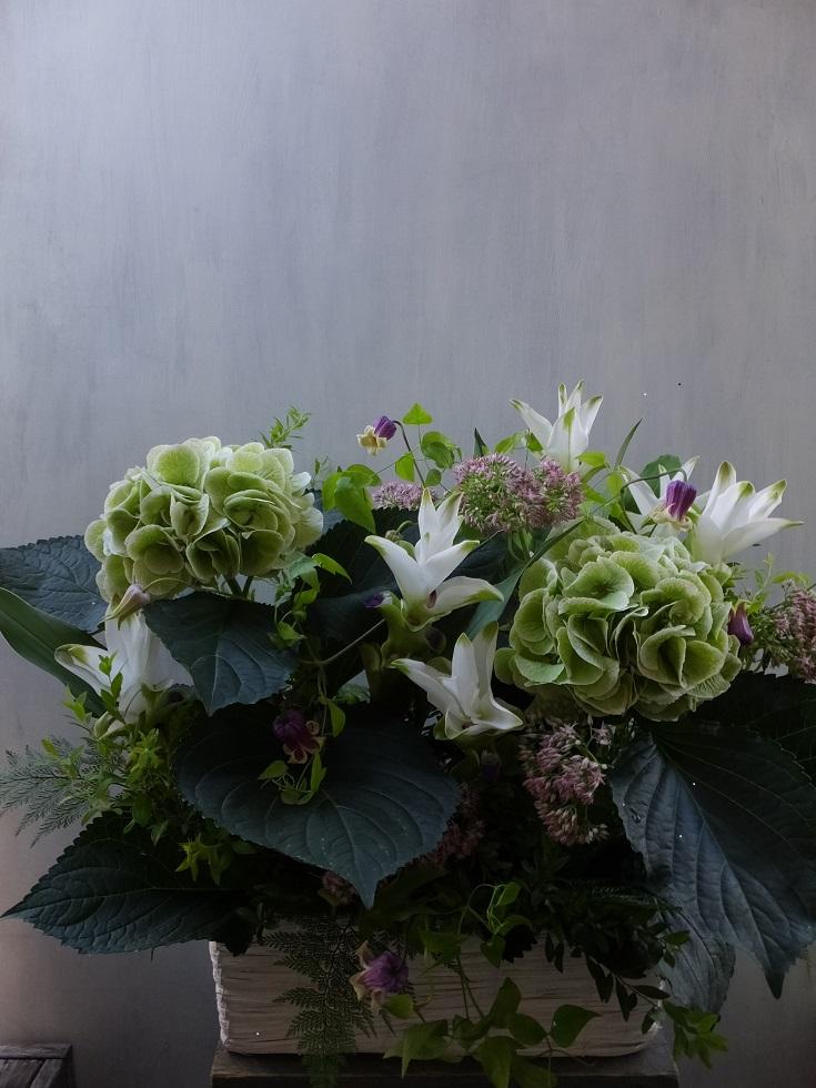 オークリーフ(秋色紫陽花と季節の花のアレンジメントⅡ  )_f0049672_12572953.jpg