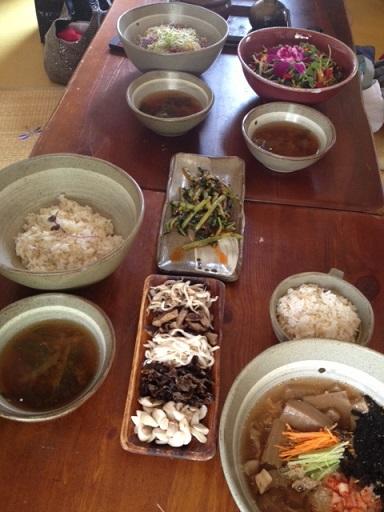 ソウルでお花のピビンパッを食べる_b0060363_165213.jpg