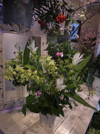 オークリーフ花の教室(甘艸さんと大草さんの作品)_f0049672_17242739.jpg