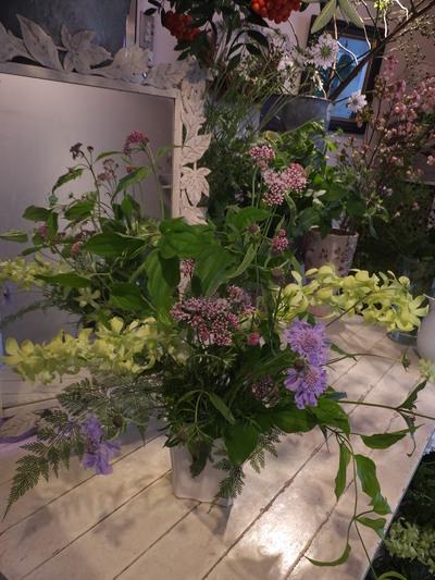 オークリーフ花の教室(甘艸さんと大草さんの作品)_f0049672_1735960.jpg