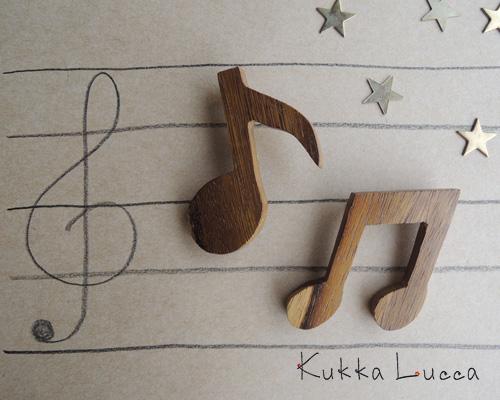 Kukka Lucca、秋のブローチ_c0156749_18113439.jpg