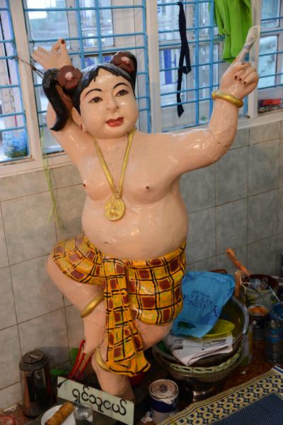 ミャンマーの珍スポット!ゴールデンロック写真_e0171573_2142535.jpg