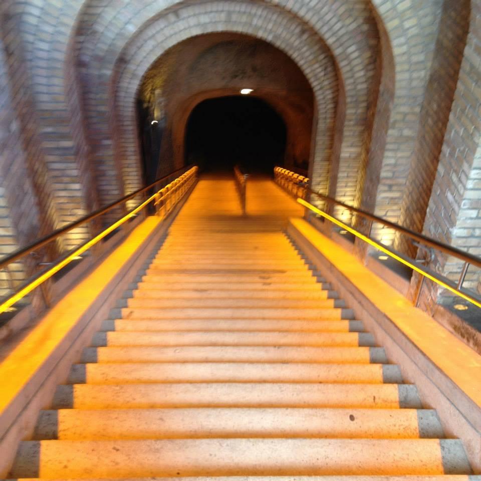 フランス【Veuve Cliquot chanpagne cave】_a0314708_1332398.jpg