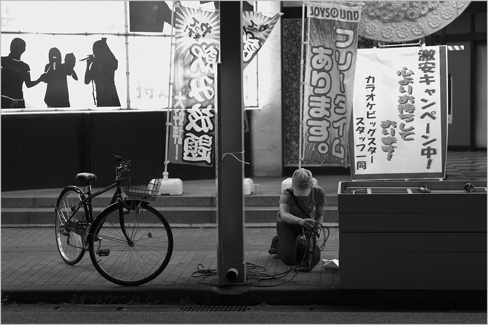 外付けファインダーが無い!? a summer night #LEICA M Monochrom_c0065410_22394845.jpg