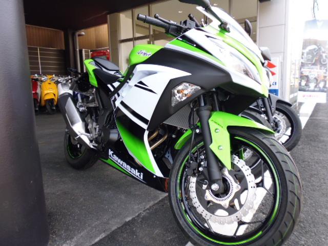 知立店より 新型試乗車☆Ninja250 ABS SE _a0169121_11542258.jpg