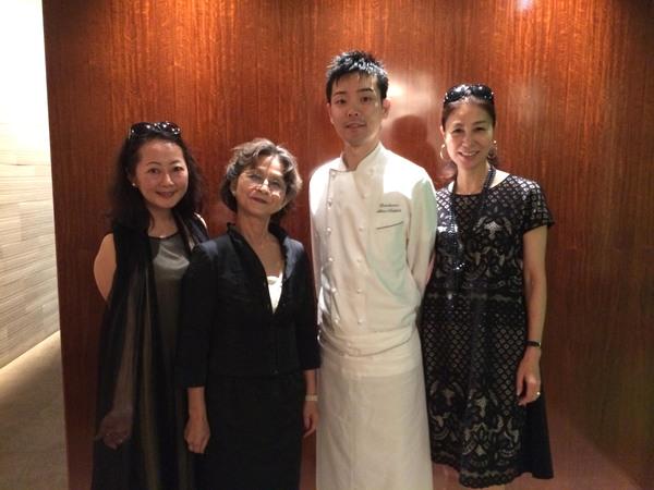 三ツ星レストラン「カンテサンス」でラグジュアリーな女子ランチ_a0138976_21123732.jpg