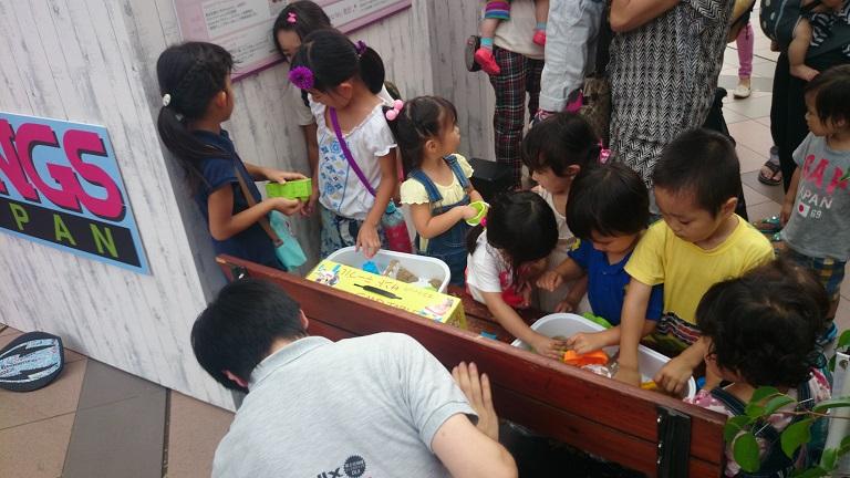 恵比寿ガーデンプレイス、ママフェスでもやっぱりキネティックサンドは大人気!_d0148223_5342210.jpg