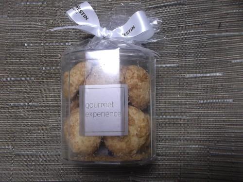 ウェスティンホテル東京 ココナッツクッキー_f0076001_23201861.jpg
