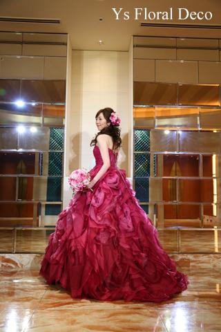 チェリーピンクのドレスに ピンク色のバラブーケ_b0113510_15214339.jpg