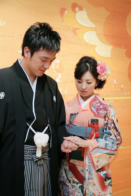 新郎新婦様からのメール 手作りの花、振袖の花、そして芍薬の季節に パレスホテル東京さまへ1_a0042928_21545113.jpg