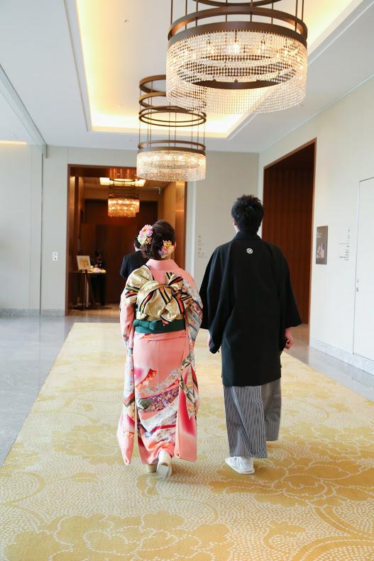 新郎新婦様からのメール 手作りの花、振袖の花、そして芍薬の季節に パレスホテル東京さまへ1_a0042928_21571529.jpg