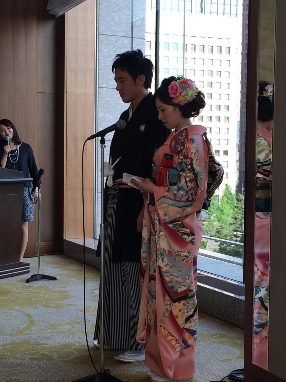 新郎新婦様からのメール 手作りの花、振袖の花、そして芍薬の季節に パレスホテル東京さまへ1_a0042928_22403079.jpg