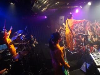 CLUB Que 20周年おめでTOISU!!! 〜奇跡の3マン!&いつものワンマン。〜_b0209830_1923237.jpg