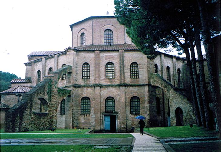 ラヴェンナ、グッビオ、ウルビーノ、リミニ、ミラノ_e0097130_10395014.jpg