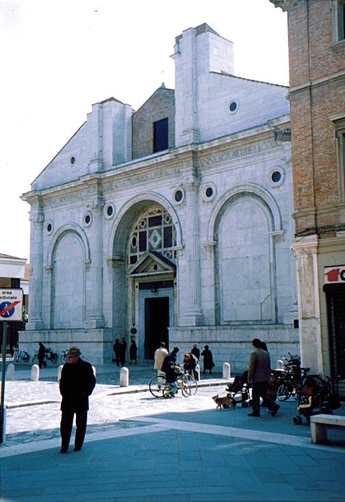ラヴェンナ、グッビオ、ウルビーノ、リミニ、ミラノ_e0097130_10424515.jpg