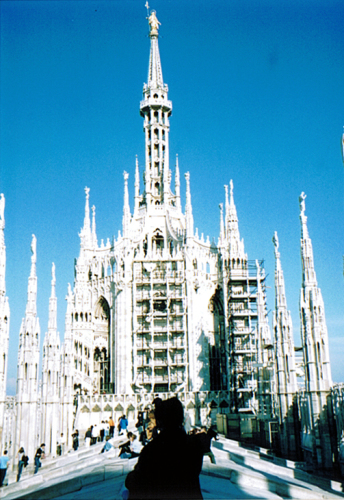 ラヴェンナ、グッビオ、ウルビーノ、リミニ、ミラノ_e0097130_10432695.jpg