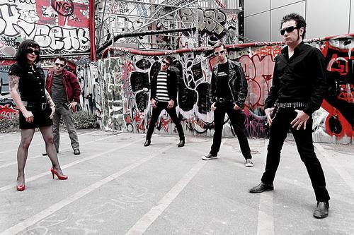 「 ベルサイユの赤い暴走ツアー 」_c0078333_03288.jpg