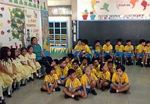 Kindergarten in Philippines...part.2_e0325335_1714720.jpg