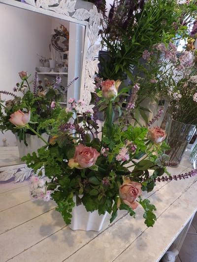 オークリーフ花の教室(森田さんの作品)_f0049672_1820318.jpg