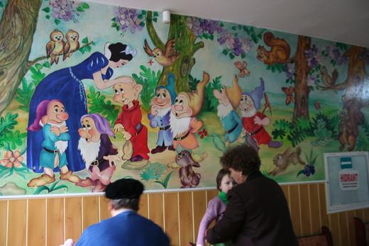 ルーマニアの幼稚園 ①  _c0042797_223016100.jpg
