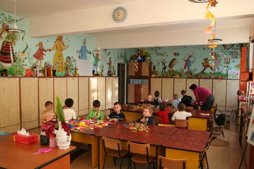 ルーマニアの幼稚園 ①  _c0042797_22362231.jpg