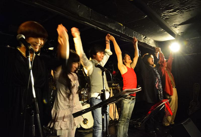 ■盛大に!MTM 『MOSAIQEⅡ』 リリース記念ライブ!_b0183113_15145139.jpg