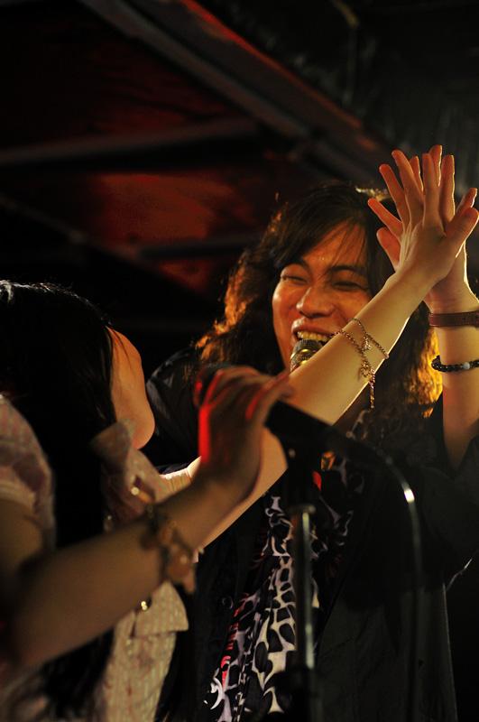 ■盛大に!MTM 『MOSAIQEⅡ』 リリース記念ライブ!_b0183113_1526520.jpg