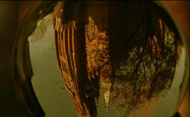 映画『ふたりのベロニカ』 夢の中の画像_b0074416_21161765.jpg