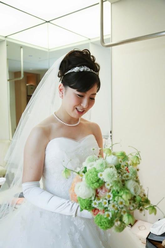 新郎新婦様からのメール 手作りの花、振袖の花、そして芍薬の季節に パレスホテル様へ2_a0042928_22261733.jpg