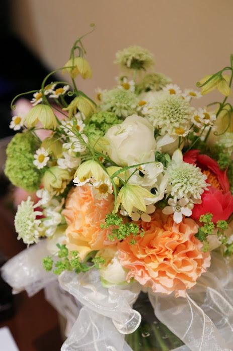 新郎新婦様からのメール 手作りの花、振袖の花、そして芍薬の季節に パレスホテル様へ2_a0042928_22264054.jpg