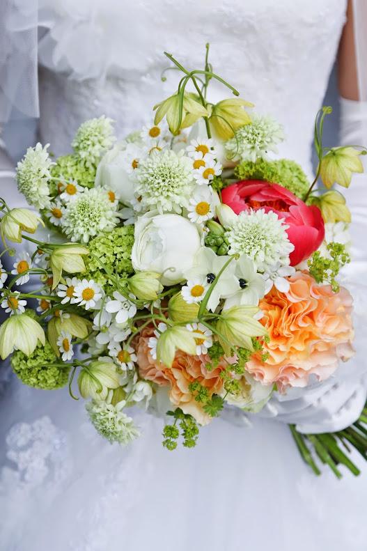 新郎新婦様からのメール 手作りの花、振袖の花、そして芍薬の季節に パレスホテル様へ2_a0042928_2227072.jpg