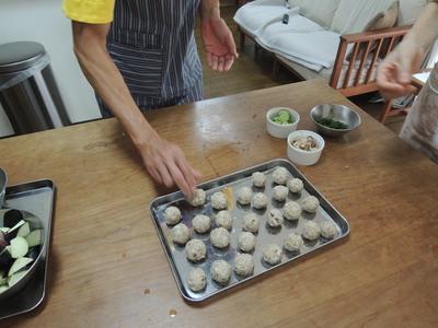 今日は蕎麦の実団子の葛煮、茄子味噌、ごま汁にゅうめんのレッスンでした_b0252363_21352597.jpg
