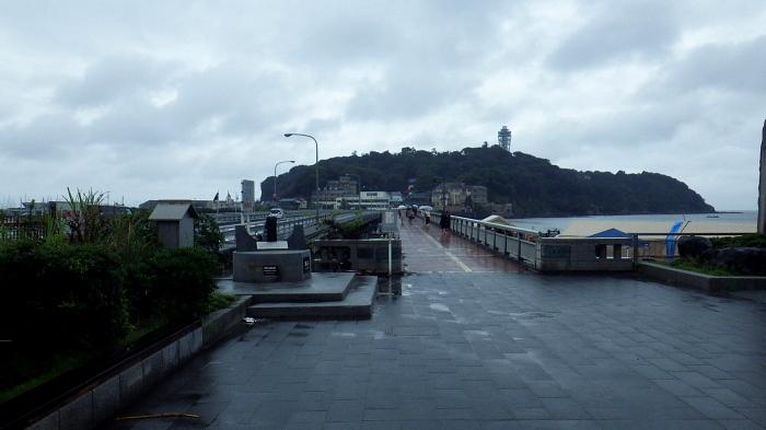 雨の江ノ島から横浜へ小さな旅_e0292469_196799.jpg