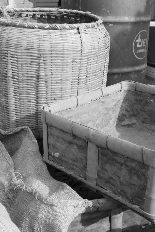 デカス 「ドラム缶、南京袋、竹籠・・・」_b0220318_23263782.jpg