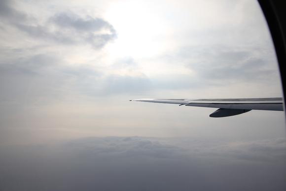 空の旅 まもなく着陸!_d0202264_816135.jpg