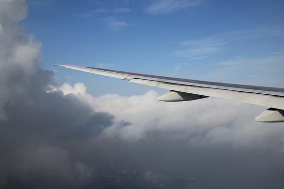 空の旅 まもなく着陸!_d0202264_8212187.jpg