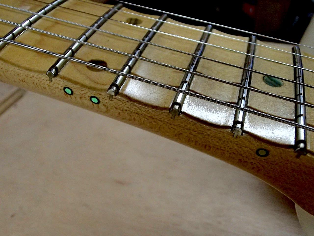 友人のオーダーギター 第2弾!_c0179274_22300498.jpg