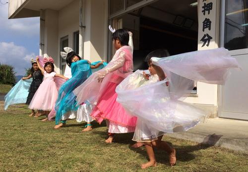 豊年祭の季節ですよ〜&真ちゃんの土俵入り!_e0220493_2221636.jpg