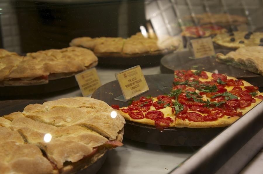 フィレンツェで是非食べて頂きたい!ヴェラッツァーノの石窯フォカッチャ_f0106597_2022650.jpg