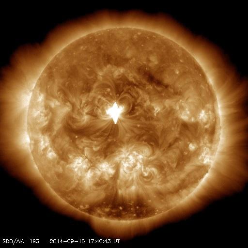 太陽の巨大CMEは火山爆発の原因、HAARPは台風の原因か?:火山観測衛星が欲しい!_e0171614_859542.jpg