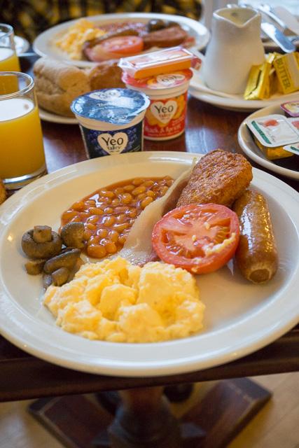 到着後の朝食_a0257652_1631697.jpg