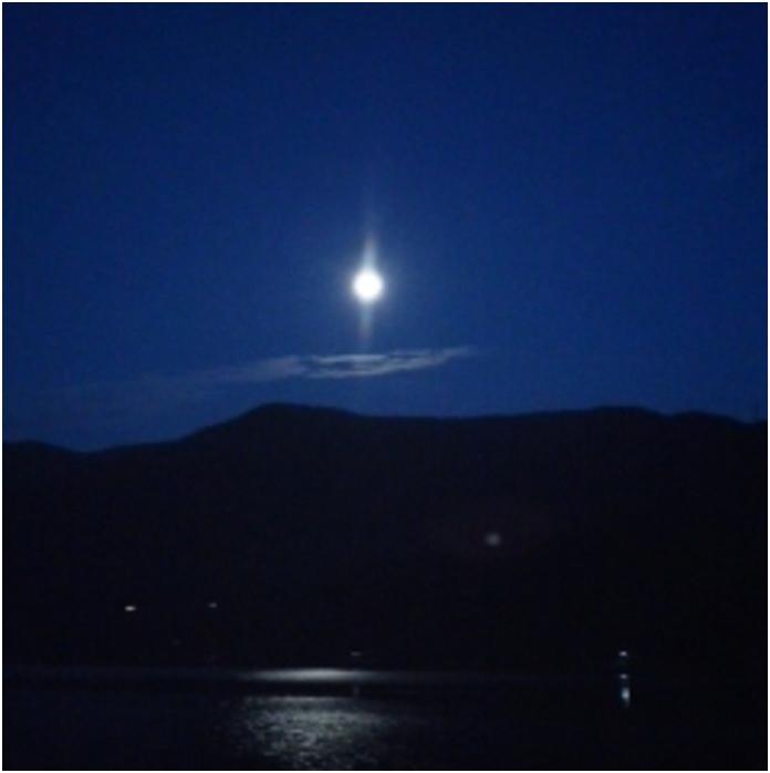 琵琶湖の北、長浜市塩崎のスーパームーン_b0104092_1085775.jpg